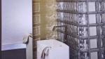 Box doccia per il bagno e lavandini